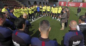 بارتوميو و لاعبين في التدريب