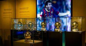 الكرات الذهبية لميسي في متحف برشلونة